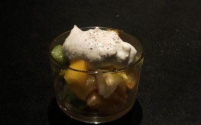 Fruktsallad med kardemummayoghurt