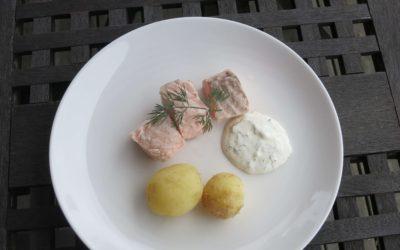 Kall inkokt lax med dillmajonnäs och färskpotatis
