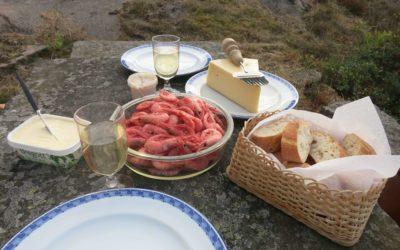 Färska räkor med bröd och ost